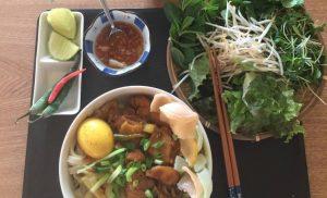 Cách làm mỳ quảng Gà với nguyên liệu Nhật